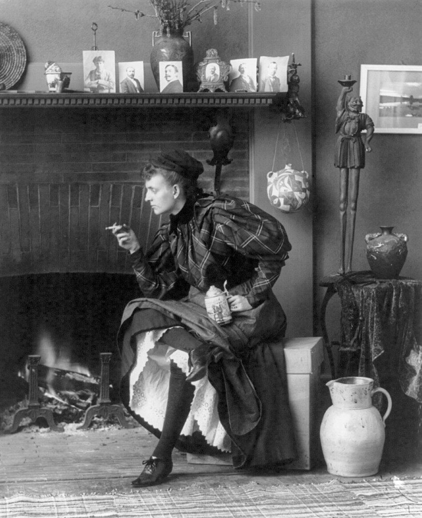 Frances Benjamin-Johnston. Autorretrato (fotografía). 1896. The Libray of Congress, Washington.