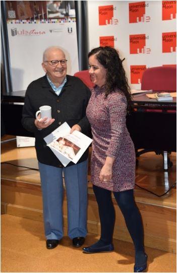 Concurso de Microrrelatos. Comunidad Mayores. Mención especial a D. José Cobo.