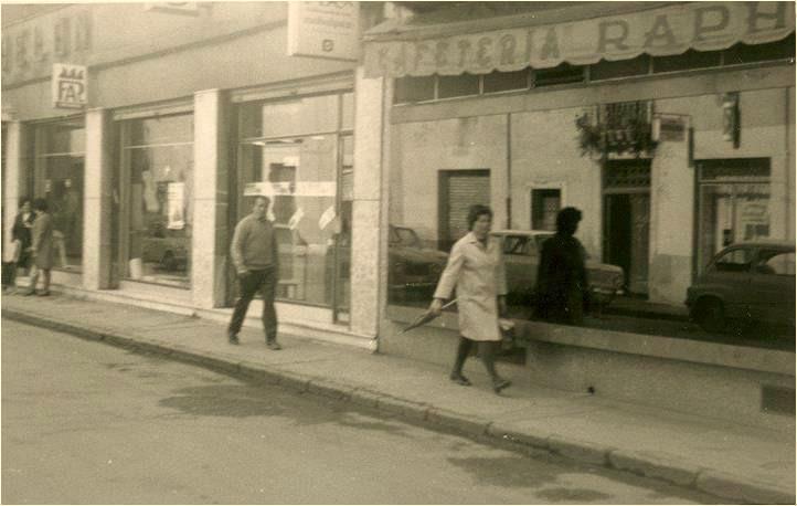 López Bodelón y Cafetería Raphael. Ponferrada (c.a. 1965)